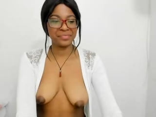 squirt sexy live cam with girl Bellablakes18